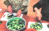 茄子と胡瓜を収穫しましたイメージ
