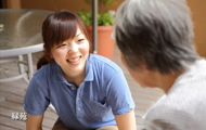 笑顔のある介護職員を募集しております。イメージ